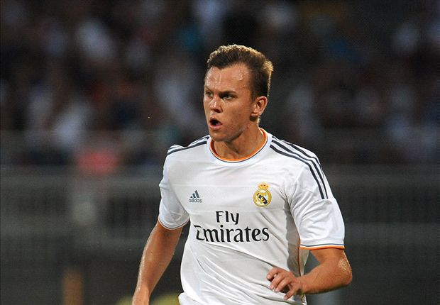 Denis Cheryshev vistiendo la camiseta del Real Madrid