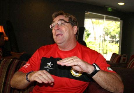 Robert Alberts joins Makassar while Jacksen waits for release