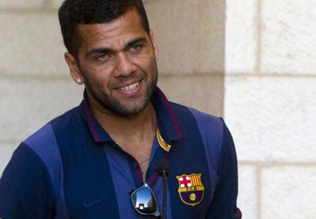 Dani Alves pidió tranquilidad con respecto a la lesión de Messi.
