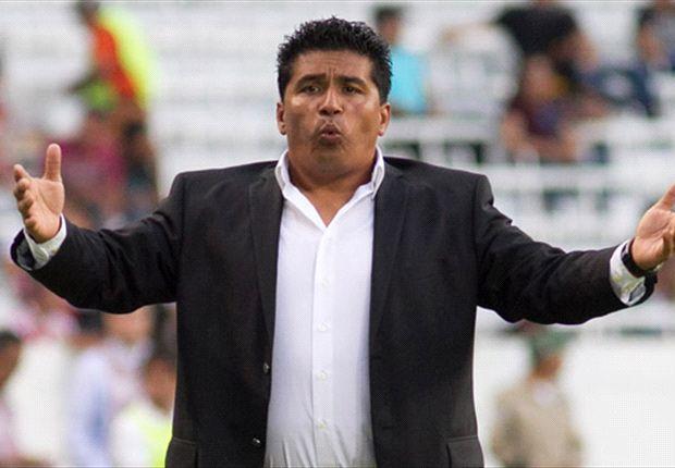 "Omar Asad: ""No estamos metiendo la pelota"""