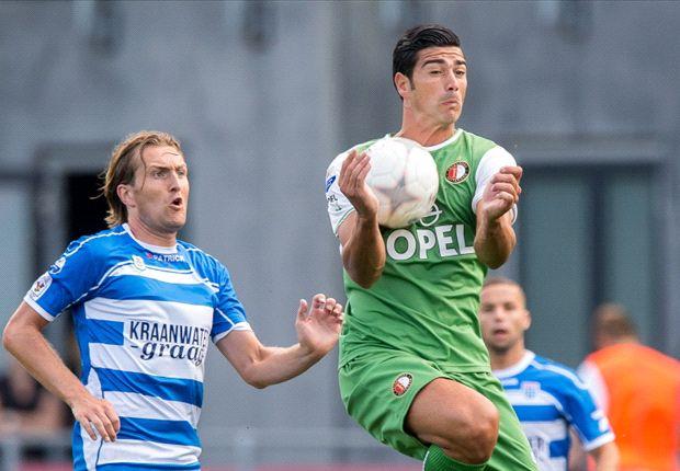 Feyenoord Rotterdam berjuang bangkit dari kekalahan di laga pembuka.
