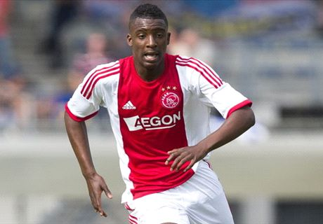 Bazoer 'enorm trots' op Ajax-debuut