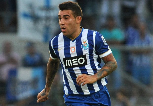Manchester City step up Otamendi pursuit