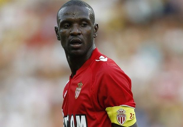 Abidal wants Barcelona keeper Valdes at Monaco