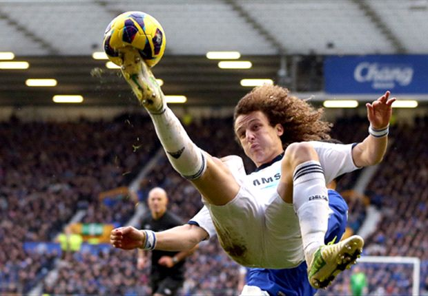 Barcelona revives interest in David Luiz