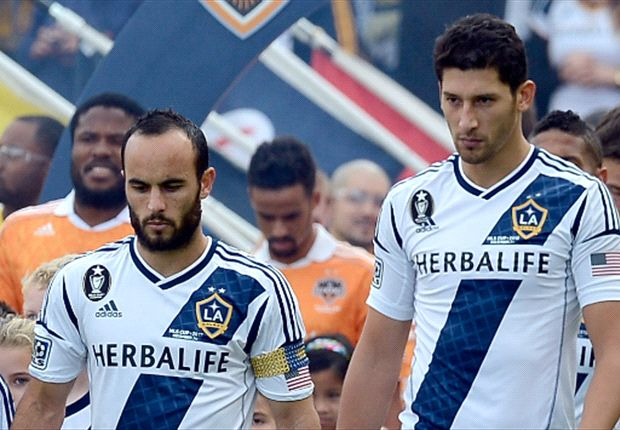 LA Galaxy re-sign Omar Gonzalez as third Designated Player