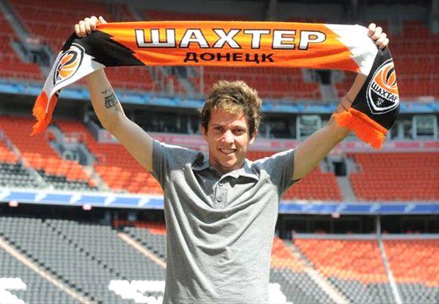 Shakhtar Donetsk announces Bernard signing