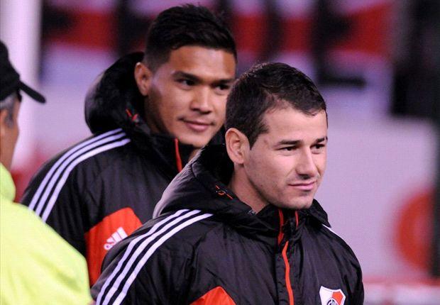 Teo y Mora, la dupla con la que sueña Ramón, podría seguir sin debutar.