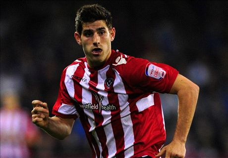 Ched Evans signs for Chesterfield