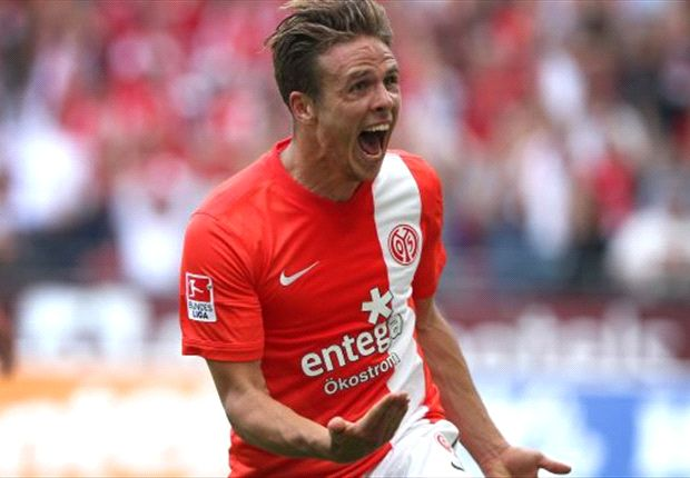 Bundesliga Wrap: Hamburg hold Schalke, Mainz edge Stuttgart