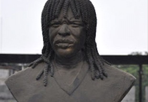 The bust of Samuel Okwaraji in front of the National Stadium in Lagos