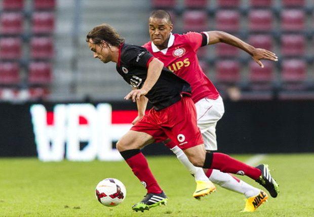 Willem II-supporters zoeken Zanka na afloop even op