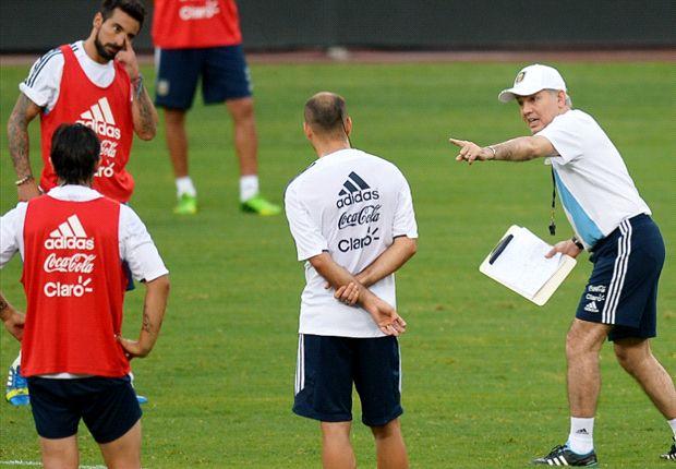 Sabella cambia el esquema por la ausencia de Messi.