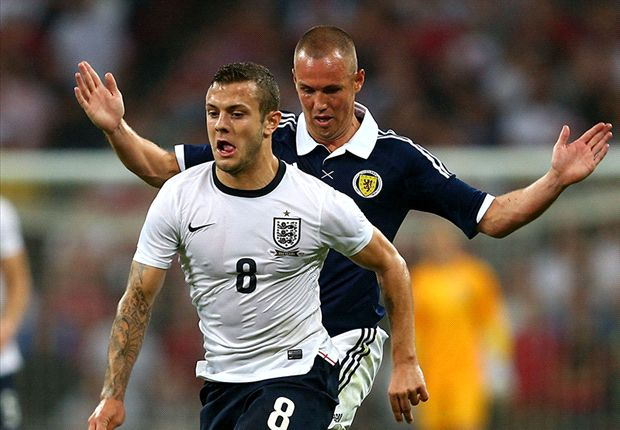 Wilshere backing Rooney &