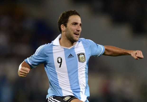 Italy 1-2 Argentina: Higuain strikes as Albiceleste survive Azzurri fightback