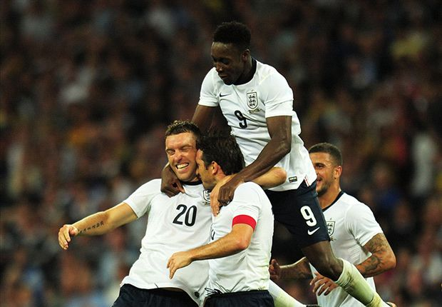 Welbeck hails Rooney link-up with England