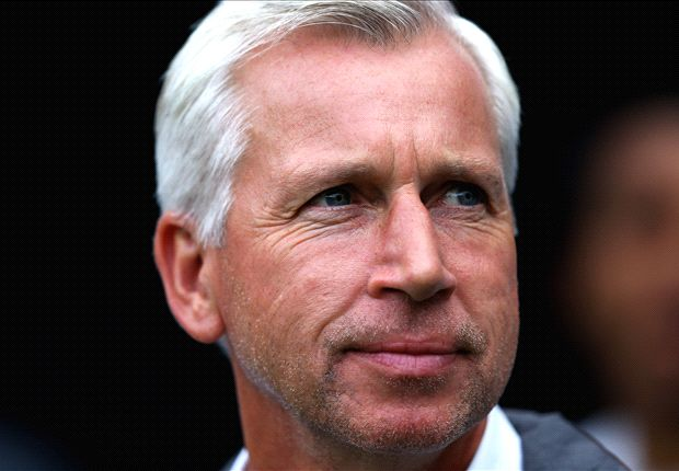 Newcastle boss Pardew delighted by clubs' tough transfer stance