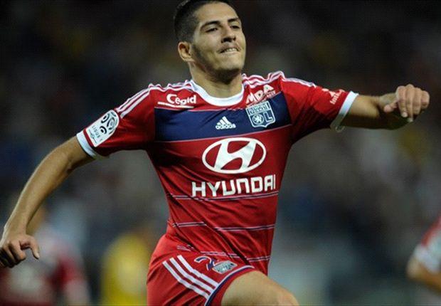 'Lyon-talent Benzia vecht met supporters'