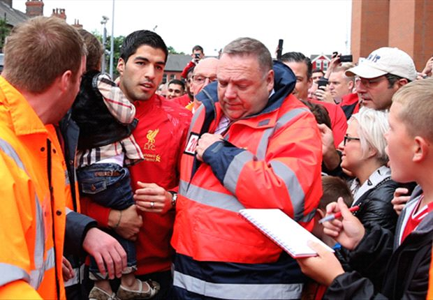 'Everything has been resolved' - Rodgers confident on Suarez Liverpool stay