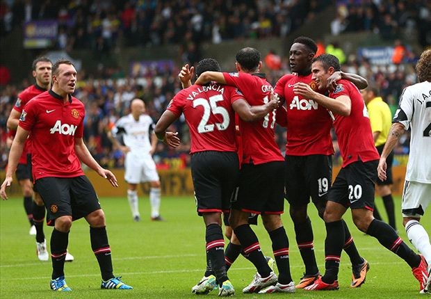 Swansea City 1-4 Manchester United: Van Persie & Welbeck doubles give champions perfect start