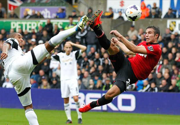 Swansea 1-4 Manchester United: Robin van Persie lo deja todo igual
