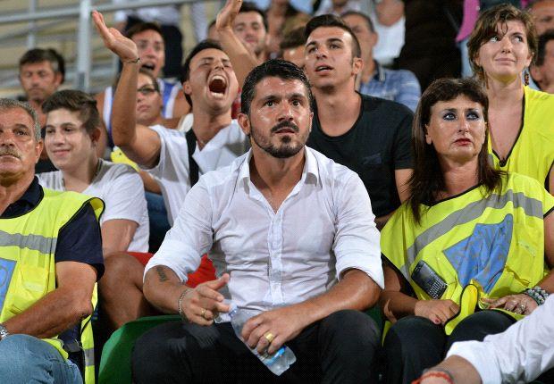 Musste bei seinem Trainerdebüt auf die Tribüne: Gennaro Gattuso