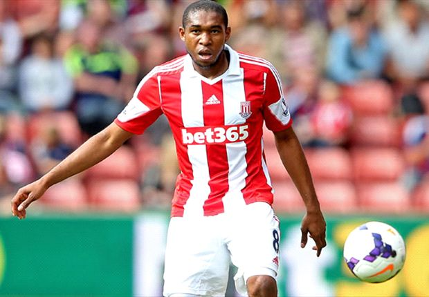 Stoke midfielder Palacios out after emergency procedure