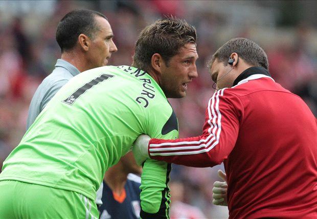 Fulham sweating over Stekelenburg