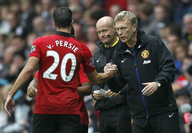 Moyes hails Van Persie after Swansea double
