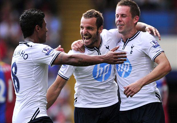 Tottenham begint seizoen met zege