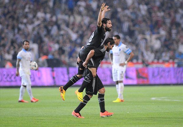 Olcay Sahan feiert seinen Treffer gegen Trabzonspor