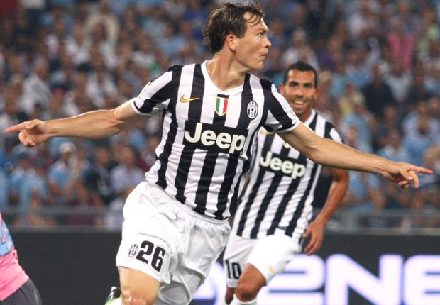 Inter are title contenders, says Lichtsteiner