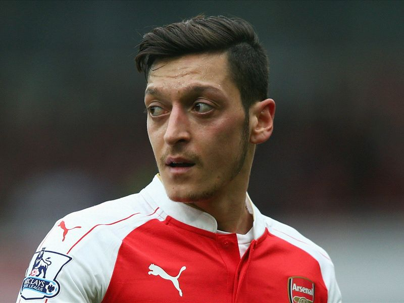 RUMORS: Ozil stalls on Arsenal contract amid Bayern interest