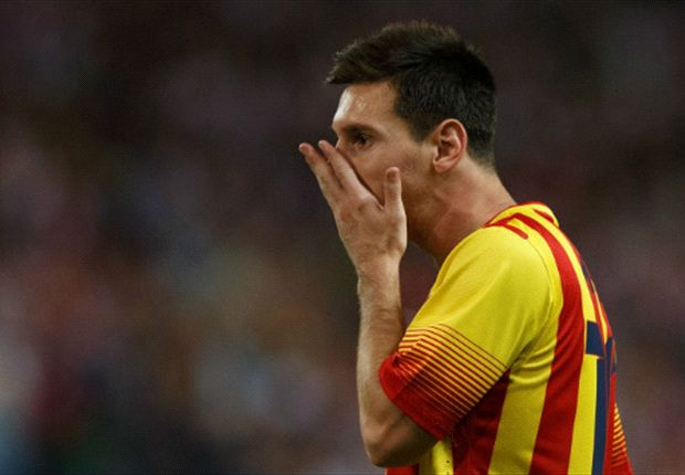 Barcelona suffers Messi injury scare