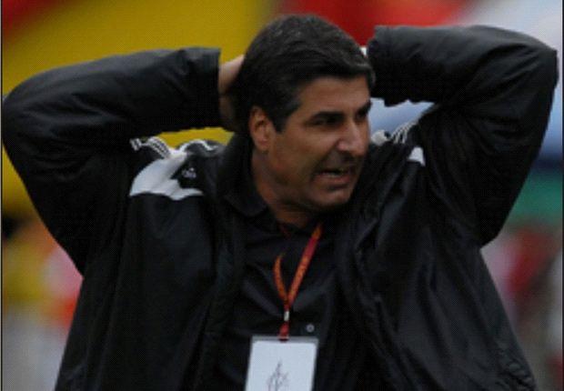 Los hinchas de Once Caldas piden destitución de Santiago Escobar