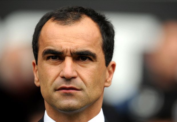 Martinez fires back at Moyes over Baines and Fellaini