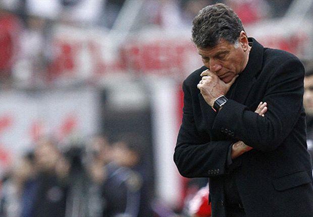 El Rojo perdió en Tucumán y Brindisi se tuvo que ir.