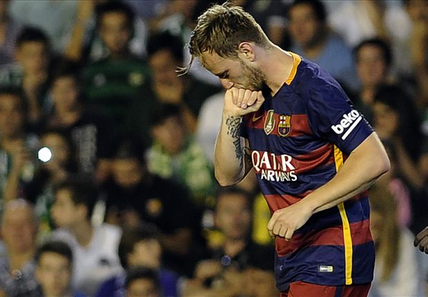 Real Betis 0-2 Barcelona: Rakitic & Suarez send Luis Enrique's men top