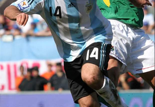 Mascherano: Messi Can Handle The No. 10 Shirt