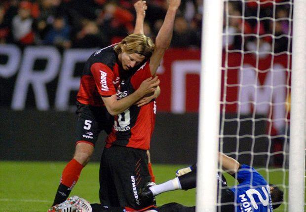 Heinze volvió a las canchas y marcó el primer gol del partido.