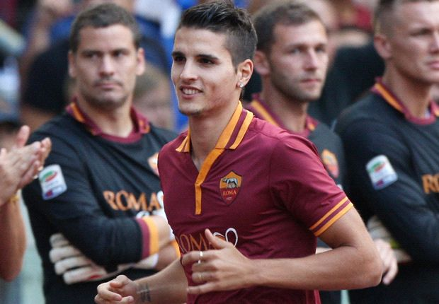 Tottenham sign Lamela from Roma