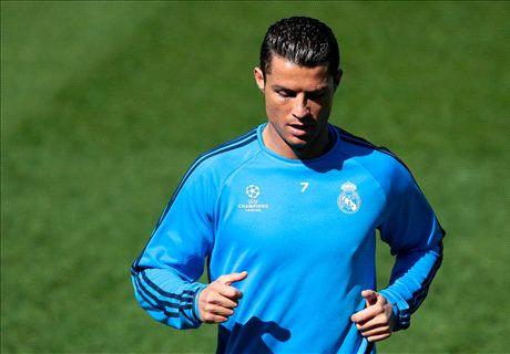 VIDEO: Ronaldo orders James to improve
