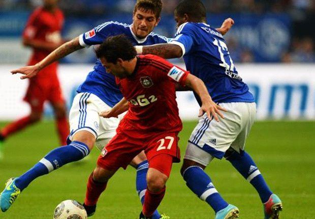Schalke memetik kemenangan pertama di musim ini.