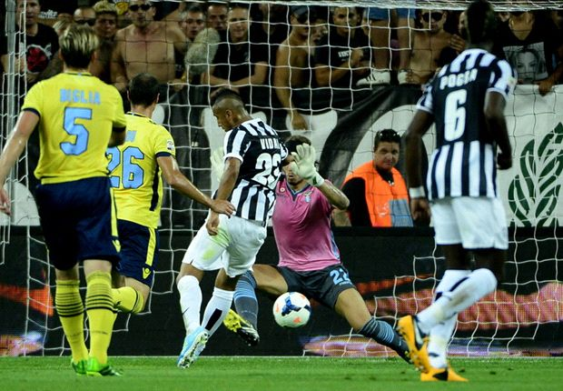 Juventus 4-1 Lazio: Tevez on target as Conte's men cruise