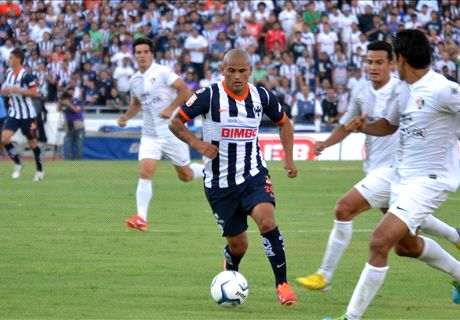 Suazo bids farewell to Monterrey