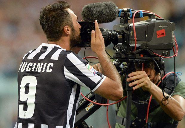 Mirko Vucinic è pronto a riprendersi la Juventus