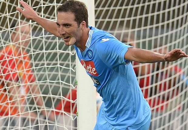 Britos: Higuain can score as much as Cavani