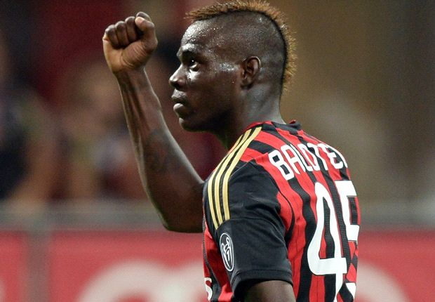 Balotelli chants are due to fear, says Cannavaro