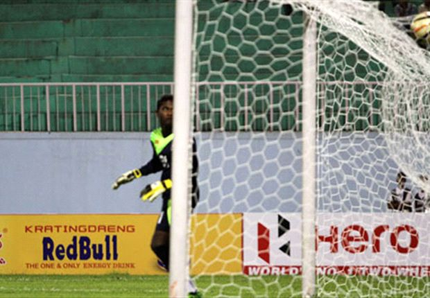 Lankans could get mauled if they aren't cautious (Photo: Goalnepal.com)