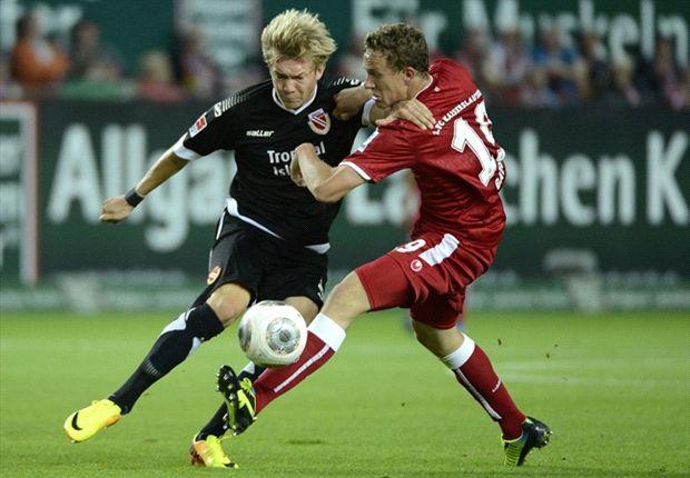 Nach 83 Minuten im Unterzahl erkämpfte sich Kaiserslautern gegen Cottbus einen Punkt